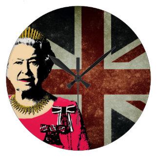 Drottningen Elizabeth II tar tid på Stor Klocka