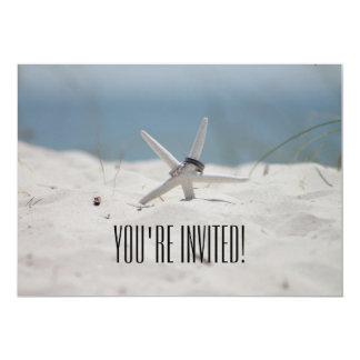 Du är den inbjudna strandbröllopinbjudan 12,7 x 17,8 cm inbjudningskort