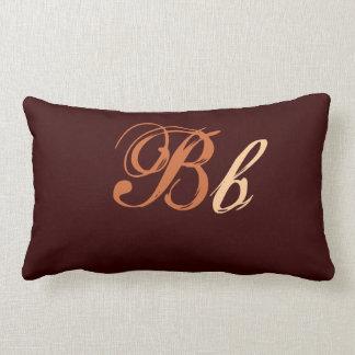 Dubbel b-Monogram i brunt och beige Prydnadskuddar