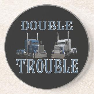 Dubbla besvärar lastbilsförareunderlägg underlägg