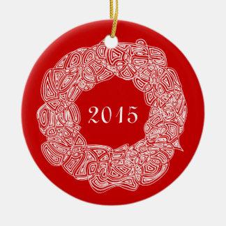 Dubbla sid den jubileums- kranen (glädje/året) rund julgransprydnad i keramik