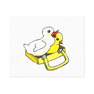 ducklingchick i resväska canvastryck