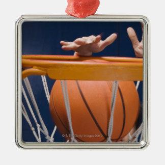 Dunking basket för man julgransprydnad metall
