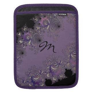 Dusky lavendelMonogramFractal Sleeve För iPads