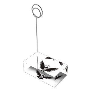 Duva med nyckeln bordskorthållare