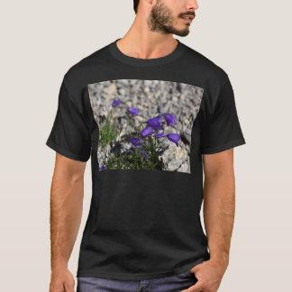 Earleaf blåklocka (Campanulacochleariifoliaen) Tshirts