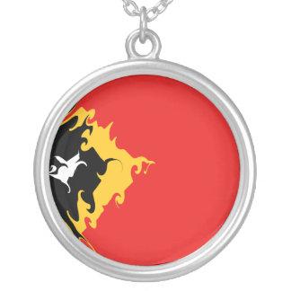 East Timor Gnarly flagga Hängsmycken