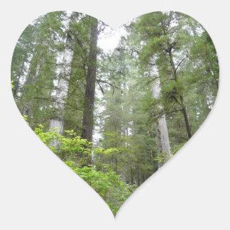 Ed Sutton - gröna träd Hjärtformat Klistermärke