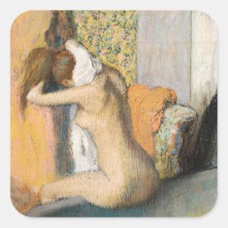 Edgar Degas | efter badet, kvinnauttorkningnacke Fyrkantigt Klistermärke