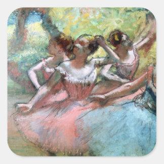 Edgar Degas | fyra ballerinas på arrangera Fyrkantigt Klistermärke