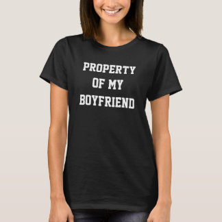 Egendom av min pojkvänT-tröja T-shirts