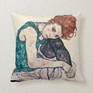 Egon kudder den Schiele placerade kvinnan Prydnadskuddar