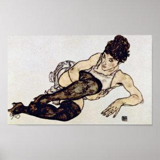 Egon Schiele - kvinna med gröna strumpor Poster