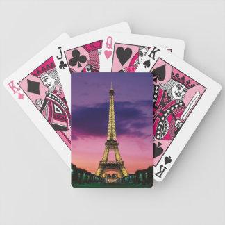 Eiffel torn som leker kort spelkort