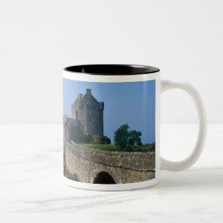Eilean Donan slott, Skotska högländerna, Skottland Två-Tonad Mugg