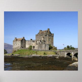 Eilean Donan slott, Skottland. Den berömda Eileane Poster