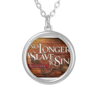 Ej längre ett slav- som syndar halsband med rund hängsmycke