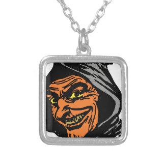 Elakt troll halsband med fyrkantigt hängsmycke