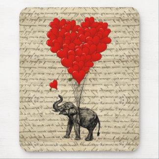 Elefant och hjärtformade ballonger musmatta