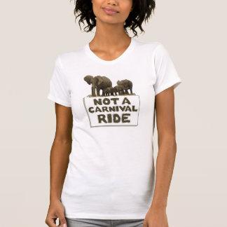 Elefanter är inte en karnevalride. t shirt