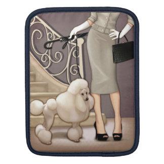Elegant dam som går henne pudel sleeve för iPads