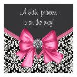Elegant rosa och svart damastast baby shower anpassningsbara inbjudningskort