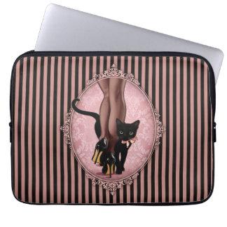 Elegant ung dam och svartkatt laptop sleeve