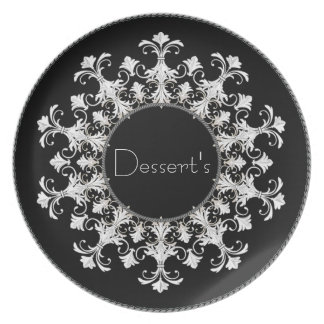 """Eleganta Mall-Efterrätt"" Wreath_Black-White Tallrik"