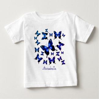 Eleganta nyckfulla fjärilar för kungliga blått t-shirts