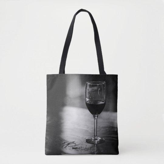 Eleganta vinälskare toto hänger lös tygkasse