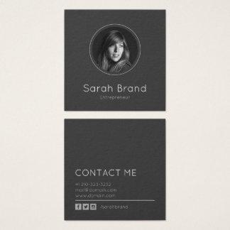 Elegantt mörkt personligt foto fyrkantigt visitkort