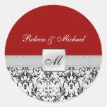Elegantt rött och svart damastast Monogrambröllop Runda Klistermärken
