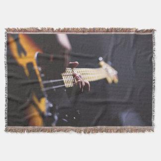 Elektrisk filt för kast för elbasspelaremusik
