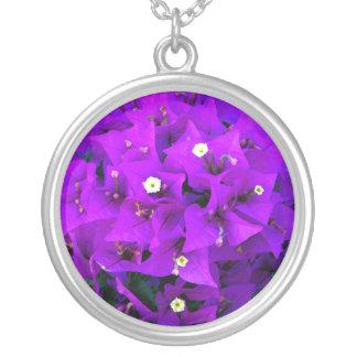 Elektrisk purpurfärgad Bougainvillea Halsband Med Rund Hängsmycke