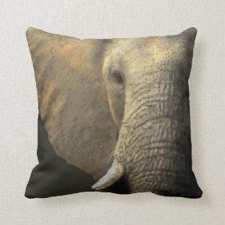 Elelphant porträtt kudde