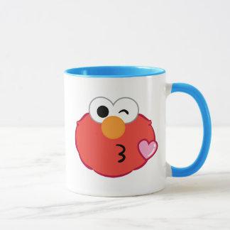 Elmo ansikte som kastar en kyss mugg