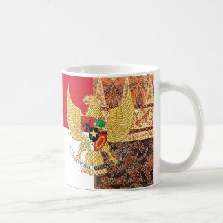 Emblem av Indonesien - den Garuda Pancasila Vit Mugg