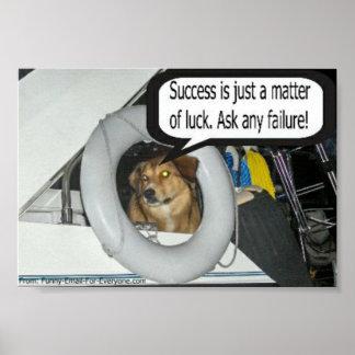 Emma hunden har alltid något till något att säga! poster