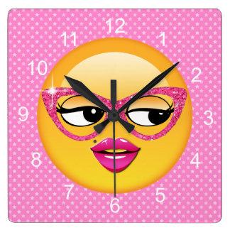 Emoji Flirty flicka ID227 Fyrkantig Klocka