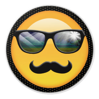 Emoji toppen skuggig ID230 Knopp