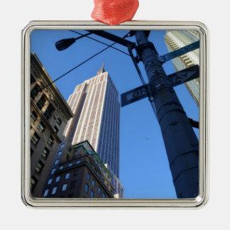 Empire state som bygger Manhattan Julgransprydnad Metall
