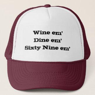 em'Sixty em nio för vinem'Dine Keps