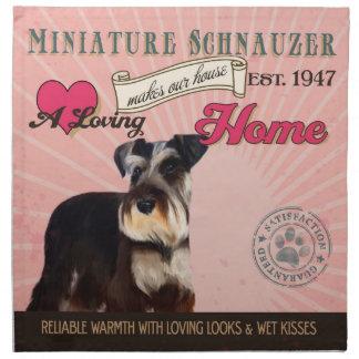En älska miniatyrSchnauzer gör vårt hushem Tygservett