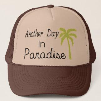 En annan dag i paradiset - citationstecken truckerkeps