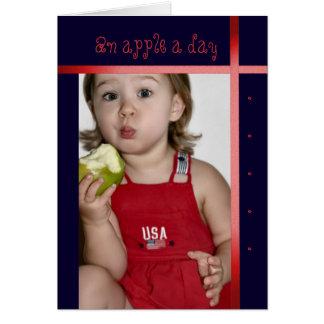 En Apple om dagen, småbarn som äter Apple, får det Hälsningskort