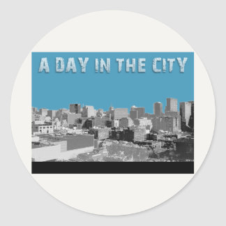 En dag i staden runt klistermärke