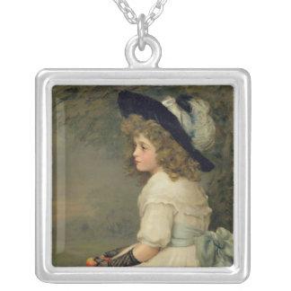 En dotter av kvällen, Pearsettårig växt, jul, 1899 Silverpläterat Halsband