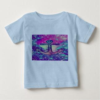 En enkel design tilldrar alltid den djupa tänkaren t-shirt
