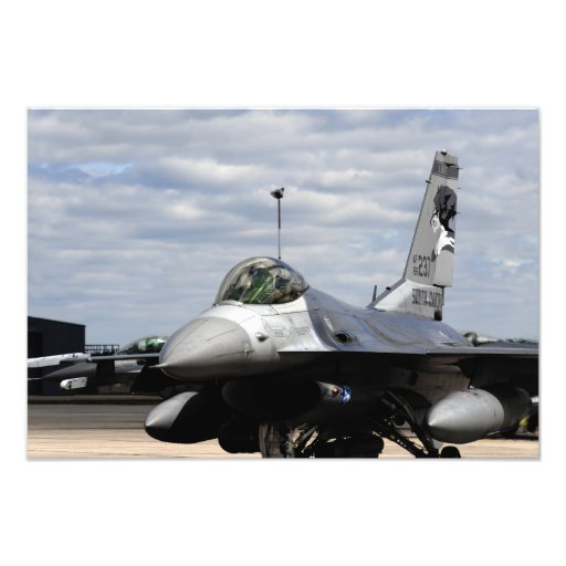 En falk för stridighet F-16 Fotokonst