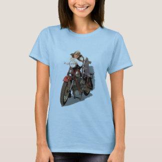 En flicka på en Nimbus Tee Shirt